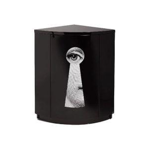 Corner Cabinet Serratura